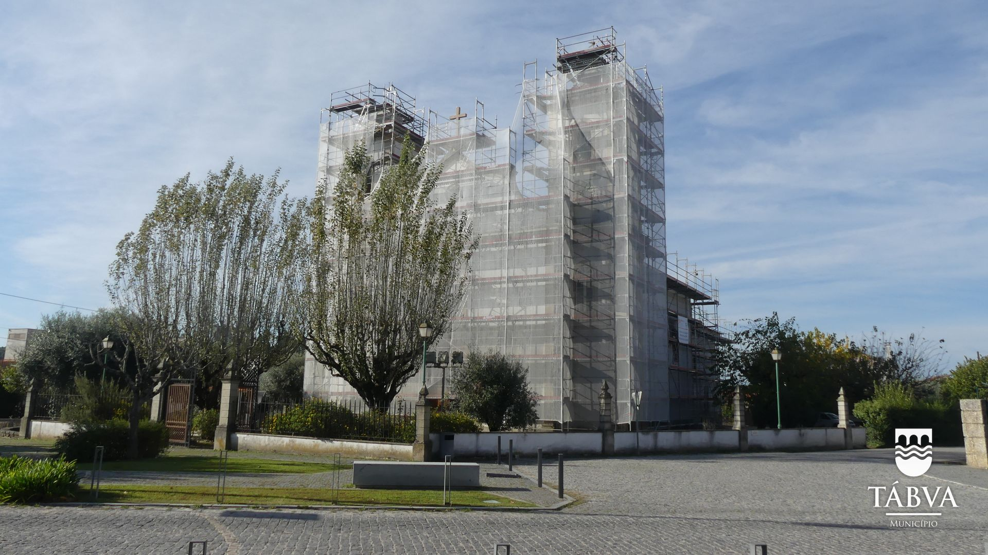 (Português) Município requalifica Igreja Matriz de Tábua e Zona Envolvente